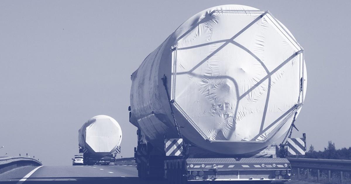 Transport ponadgabarytowy – na czym polega i co to jest?