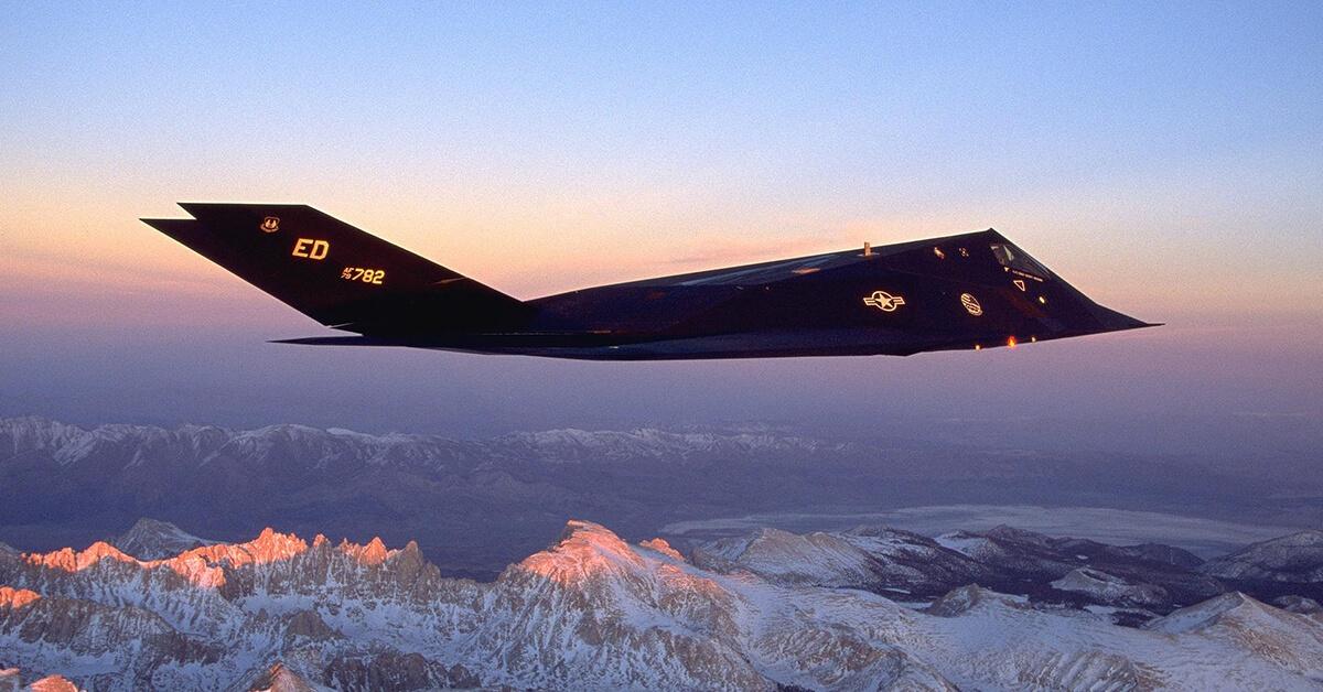 F-117A Nighthawk Stealth Fighter nieuchwytny bombowiec strategiczny