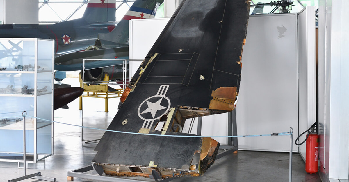 Szczątki zestrzelonego F-117 w Muzeum Lotnictwa w Belgradzie