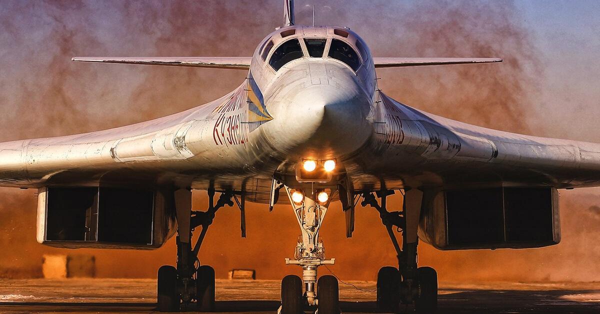 Rosyjski Tupolew Tu-160 to największy naddźwiękowy samolot na świecie.